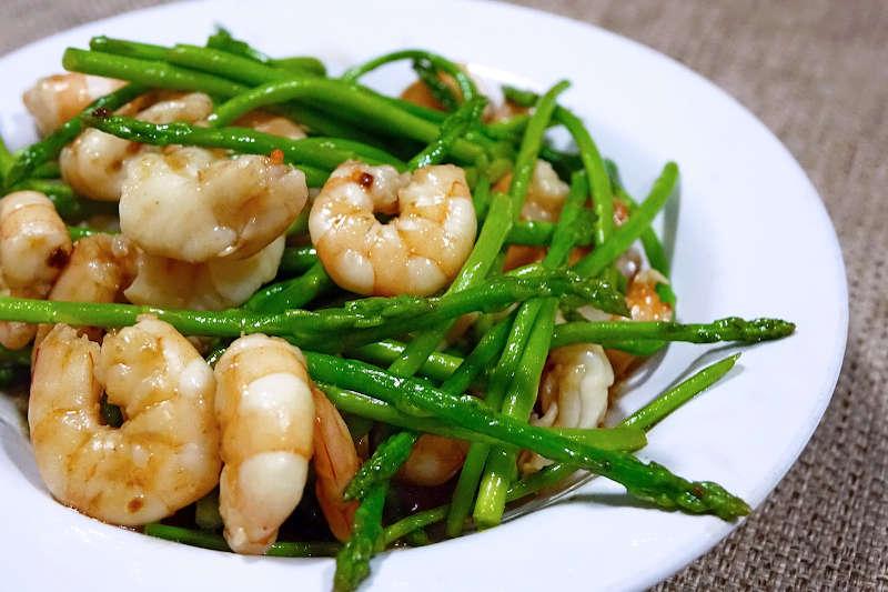 Keto sauteed asparagus & shrimps