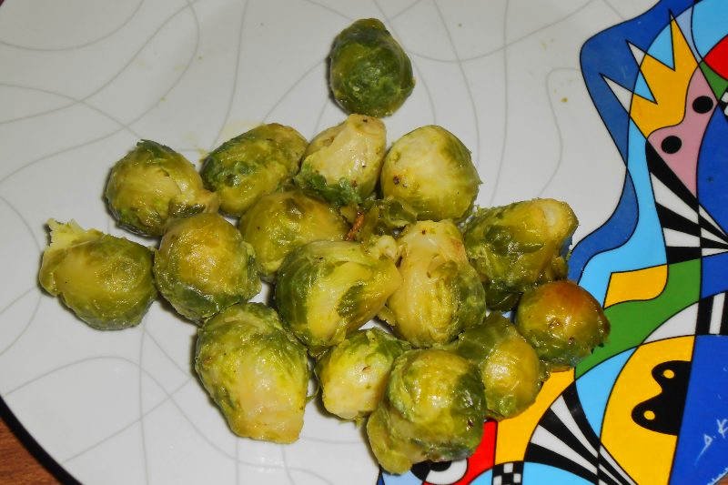 Vegan keto sauteed brussel sprouts with olive oil