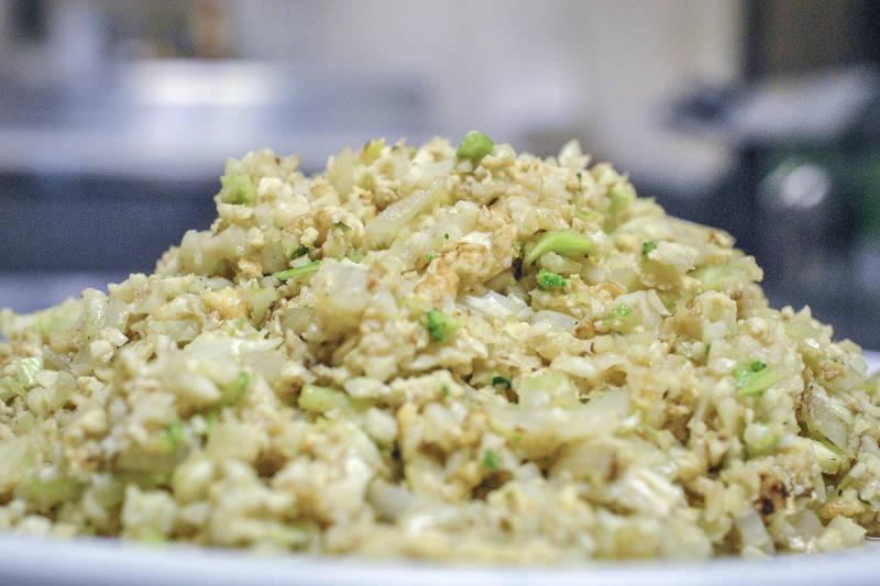 Vegetarian keto curry cauliflower rice