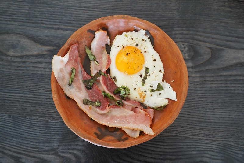 Keto eggs & bacon