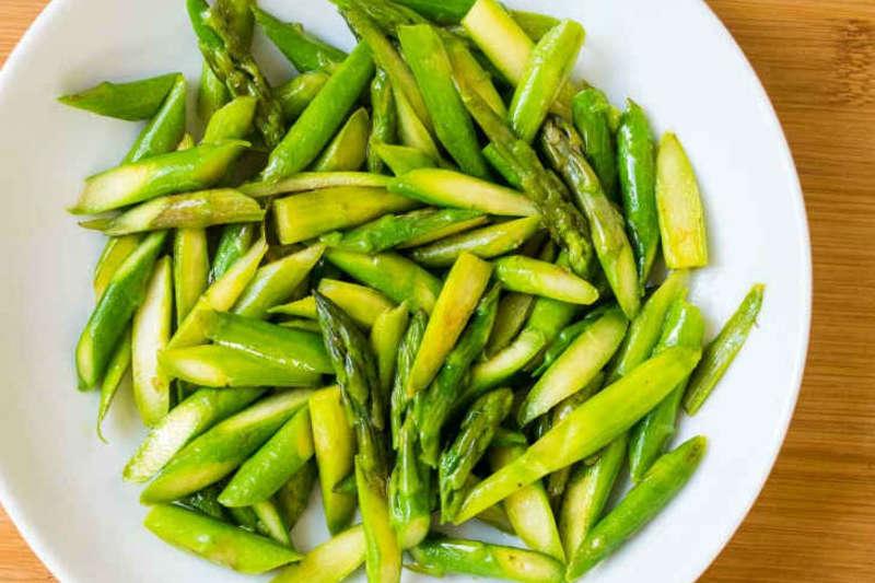 Vegan keto sauteed asparagus