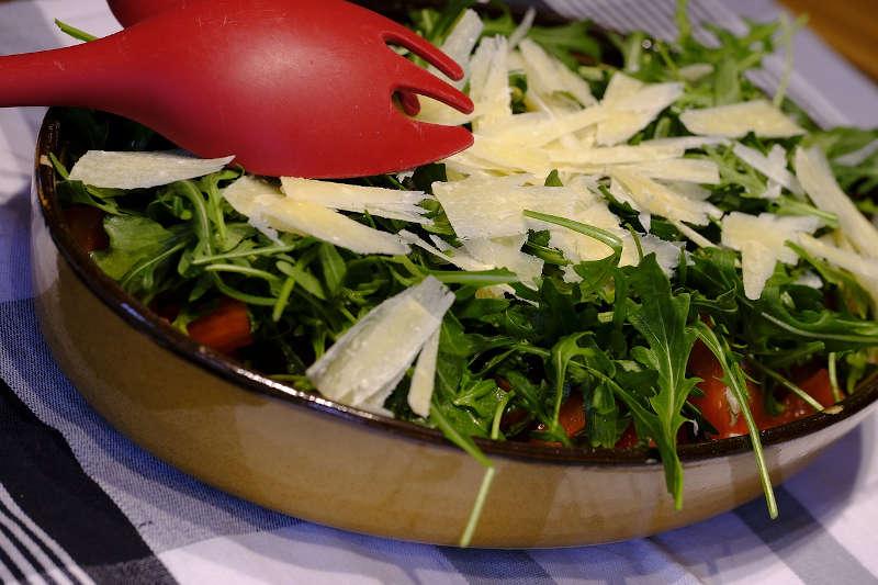 Vegetarian keto cherry tomatoes, arugula & parmesan salad