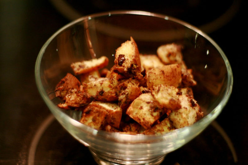 Low carb croutons & breadcrumbs with black olives