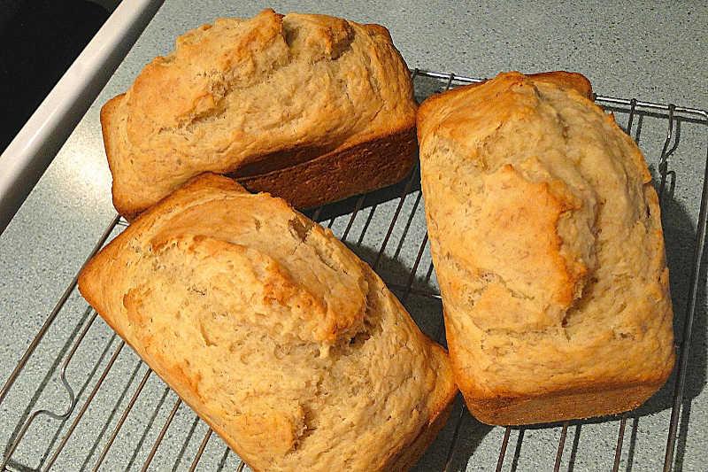 Vegetarian keto almond flour bread