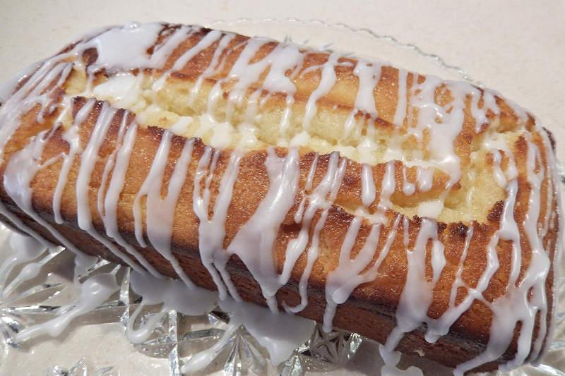 Vegetarian keto lemon loaf cake